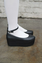 Black-the-whitepepper-wedges