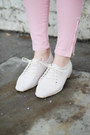 Black-the-whitepepper-coat-ivory-the-whitepepper-shoes