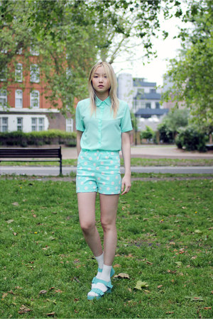 aquamarine lace collar THE WHITEPEPPER blouse