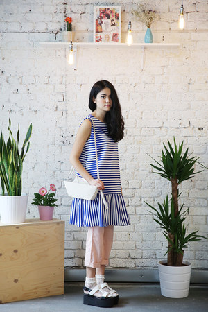 ivory THE WHITEPEPPER bag - blue THE WHITEPEPPER dress