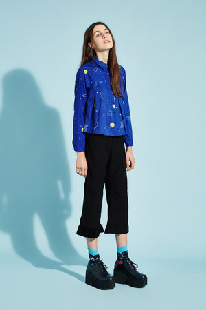 blue THE WHITEPEPPER shirt - black platforms THE WHITEPEPPER boots