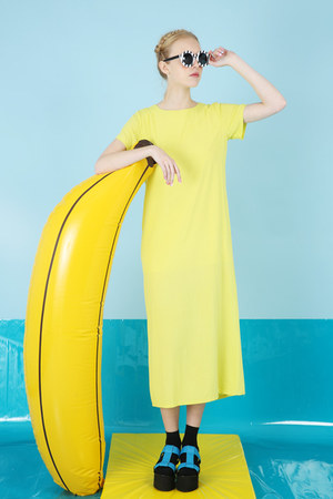 yellow THE WHITEPEPPER dress - white THE WHITEPEPPER sunglasses