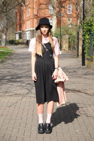 black pinafore midi THE WHITEPEPPER dress - black sun knit THE WHITEPEPPER hat