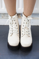 THE WHITPEPPER Boots