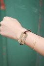 Gold-metal-the-whitepepper-bracelet