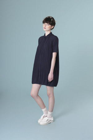 navy pleated shirt THE WHITEPEPPER dress