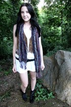 scarf - thrifted belt - vintage boots - decree vest - 7 for all mankind shorts