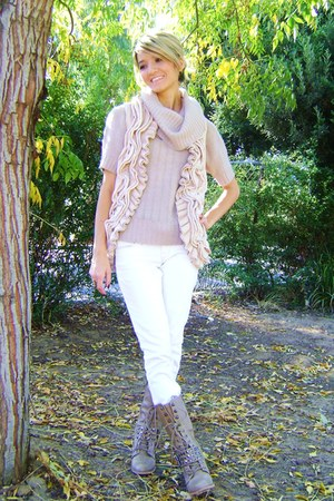 white jeans - beige sweater - beige vest - beige boots