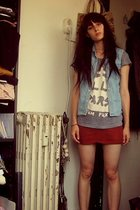 American Apparel t-shirt - Secondhand vest - Secondhand skirt
