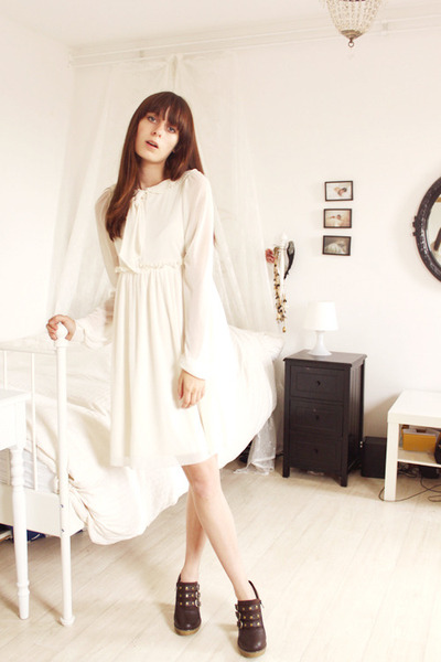 white secondhand H&M dress