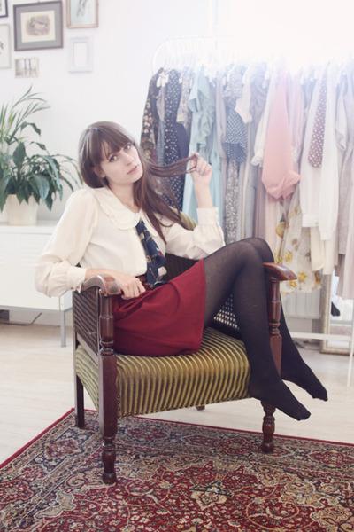 brick red miss patina skirt - eggshell miss patina blouse