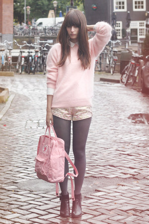 H&M sweater - Nelly boots - fjallraven bag - Fashion Union shorts
