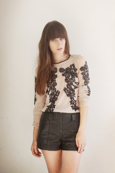 nude sequin Choies top - black leather H&M shorts