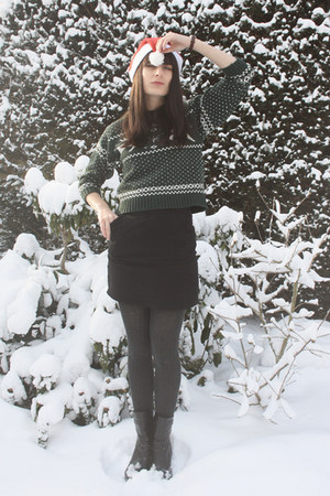 dark green vintage sweater - black H&M skirt