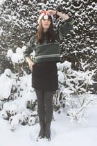 dark green vintage sweater - black H&M skirt