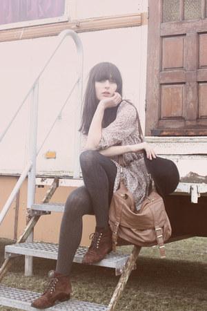 tawny Primark bag - crimson vintage boots - beige floral print ARAFEEL dress