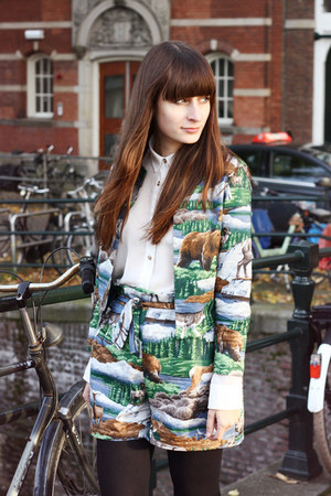 forest green Nikki Beulen suit