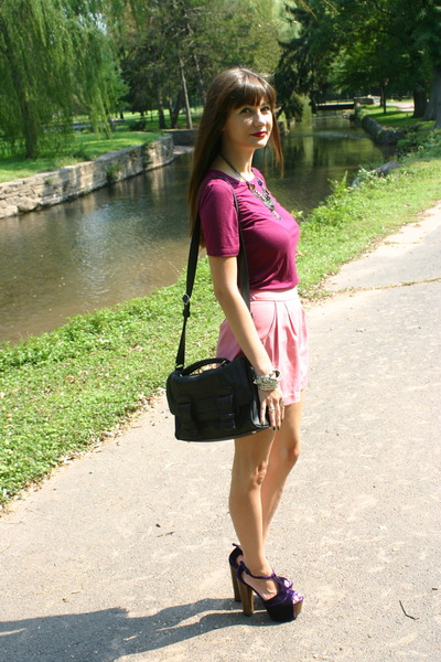 black leather satchel Zara bag - pink Forever 21 shorts - magenta Gap top