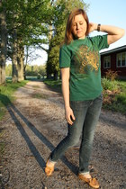 green leopard thrifted t-shirt - blue skinny jeans Express jeans