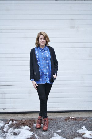 blue snowflake shirt Vintage Thrifted shirt - tawny Timberland boots