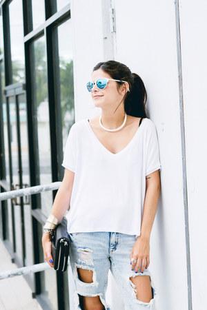 white quay sunglasses - light blue boyfriend jeans PacSun jeans