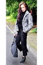 Zara boots - H&M jacket - Pull and Bear bag