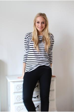 H&M Trend leggings - H&M shirt - accessories