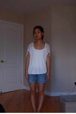 Urban Outfitters top - American Eagle shorts