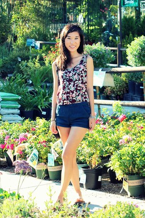 floral top - shorts