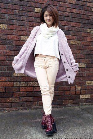 light pink knitted Boohoo cardigan - peach Lee jeans