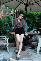 black vintage belt - black miz mooz shoes - black Urban Outfitters shorts