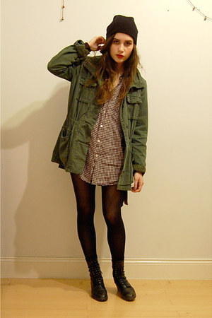 army green Surplus jacket - black vintage boots - checkered menswear shirt