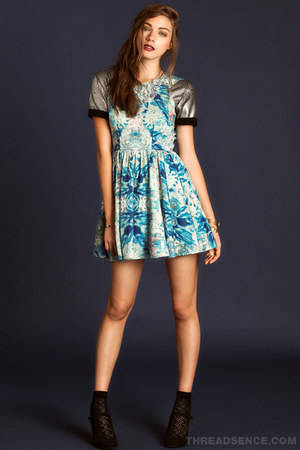 black mary jane pumps - light blue floral keepsake dress