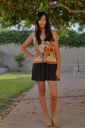 black vintage skirt - orange vintage blouse - beige vintage shoes