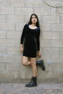 Navy-vintage-dress-black-vintage-boots