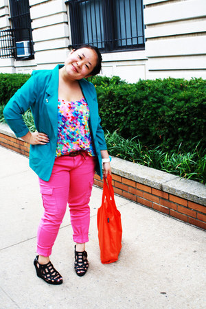 hot pink cargo Zara pants - turquoise blue thrifted blazer