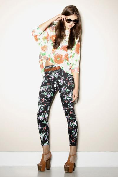 black floral print Thrifted & Modern leggings