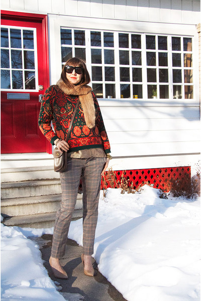 burnt orange fair isle thrifted sweater - brown cross body coach purse