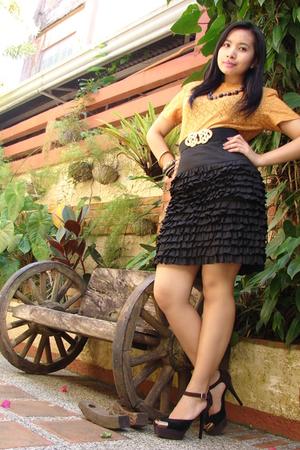 black platforms Charles & Keith shoes - black ruffled thrift skirt