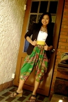 Kamiseta tube top - printed harem from Bangkok pants - belt from tiangge belt -