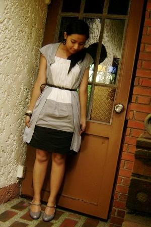 BCBG tricolor dress - MNG cardigan blouse - PRP slim belt - VNC Mary Janes shoes