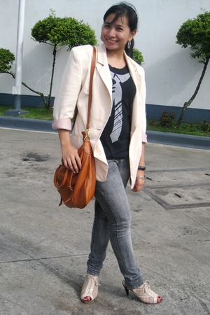 thrifted top - Mums blazer - Levis pants - Janylin lace-up boots - Vintage bag a