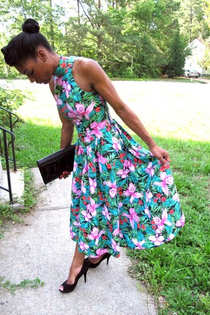 teal floral thrifted vintage dress