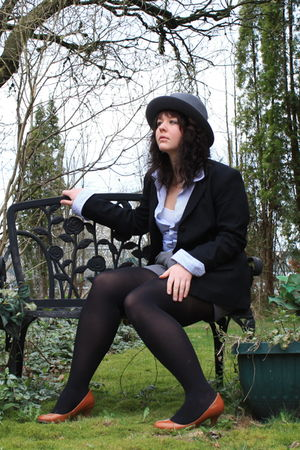 gray vintage shorts - blue vintage shirt - black vintage blazer - brown joe fres