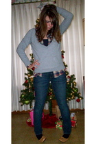 gray Forever 21 sweater - American Eagle jeans - shirt - shoes