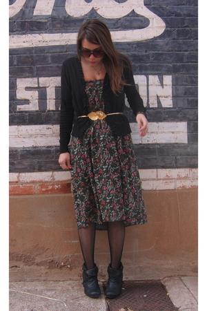 black cardigan - gold - - - black Steve Madden boots