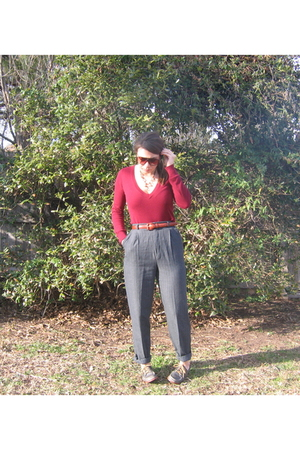 Forever21 sweater - belt - gray pants - blue shoes