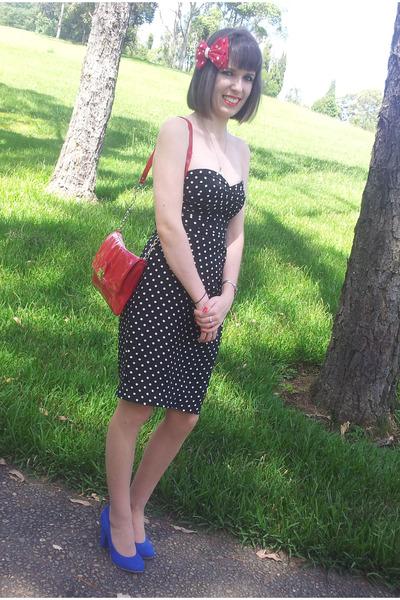 aaf1bede1781 blue kenji heels - black Forever New dress - red patent bag Diana Ferrari  bag