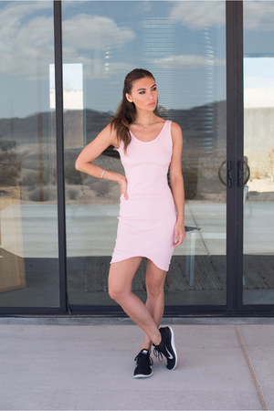 layered Lionette necklace - pink bodycon Magdalena Duma dress