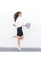 Marna Ro skirt - Oliveve bag - Vans sneakers
